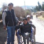 apoyando a personas con discapcidad multiple en cusco